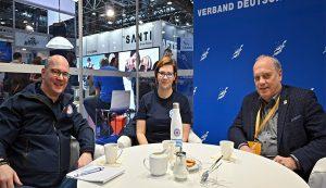 Andreas Paatz, Bundesleiter der DRK Wasserwacht, und Stella Rumpf, Referenten im Generalsekretariat